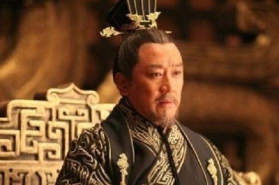 他是最窝囊的开国皇帝,被大臣扇耳光,还被质问:陛下要造反?